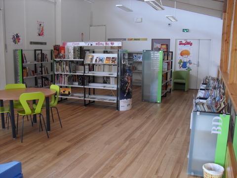 Espace BD à la bibliothèque de Dunières